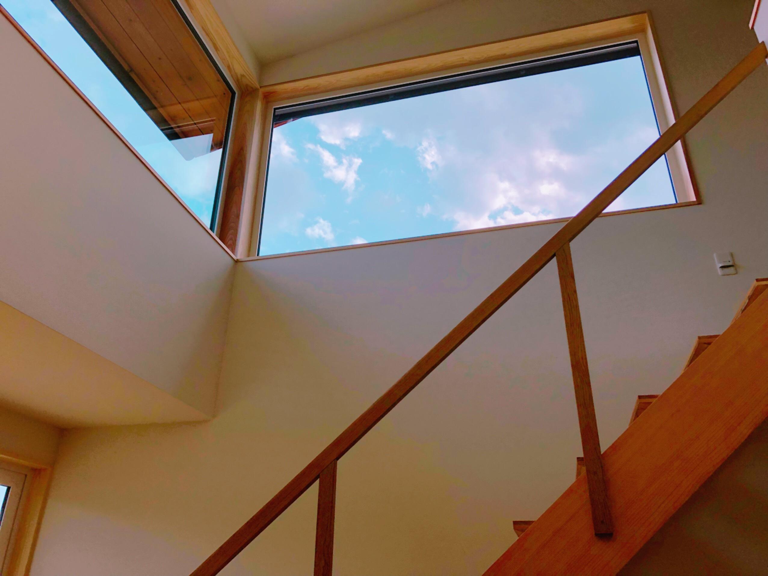 パッシブデザイン、窓、高窓、FIX、階段吹抜
